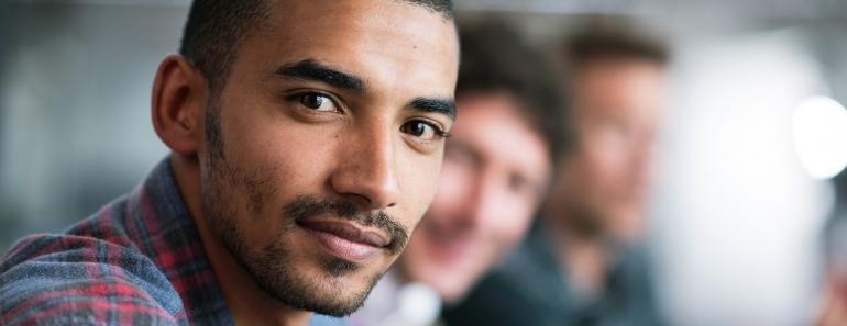 Mohamed, assigné à résidence, dans l'incapacité d'assister à l'intégralité de ses cours.