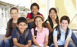 L'éducation des jeunes est fondamentale.
