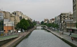 Le canal de l'Ourcq en Seine-Saint-Denis.