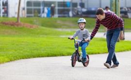 En tant que citoyen de l'UE, Lorenzo a droit à des prestations familiales en France.